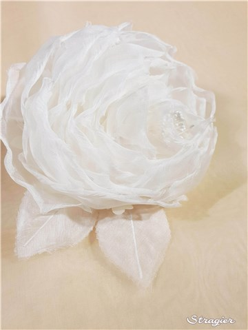Silk Artificial Flower - Handmade - Rose 3 - Stragier Pale Ivory - 11 cm