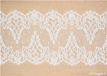Dentelle Chantilly - Julienne - Blanc Optique Stragier - 20 cm